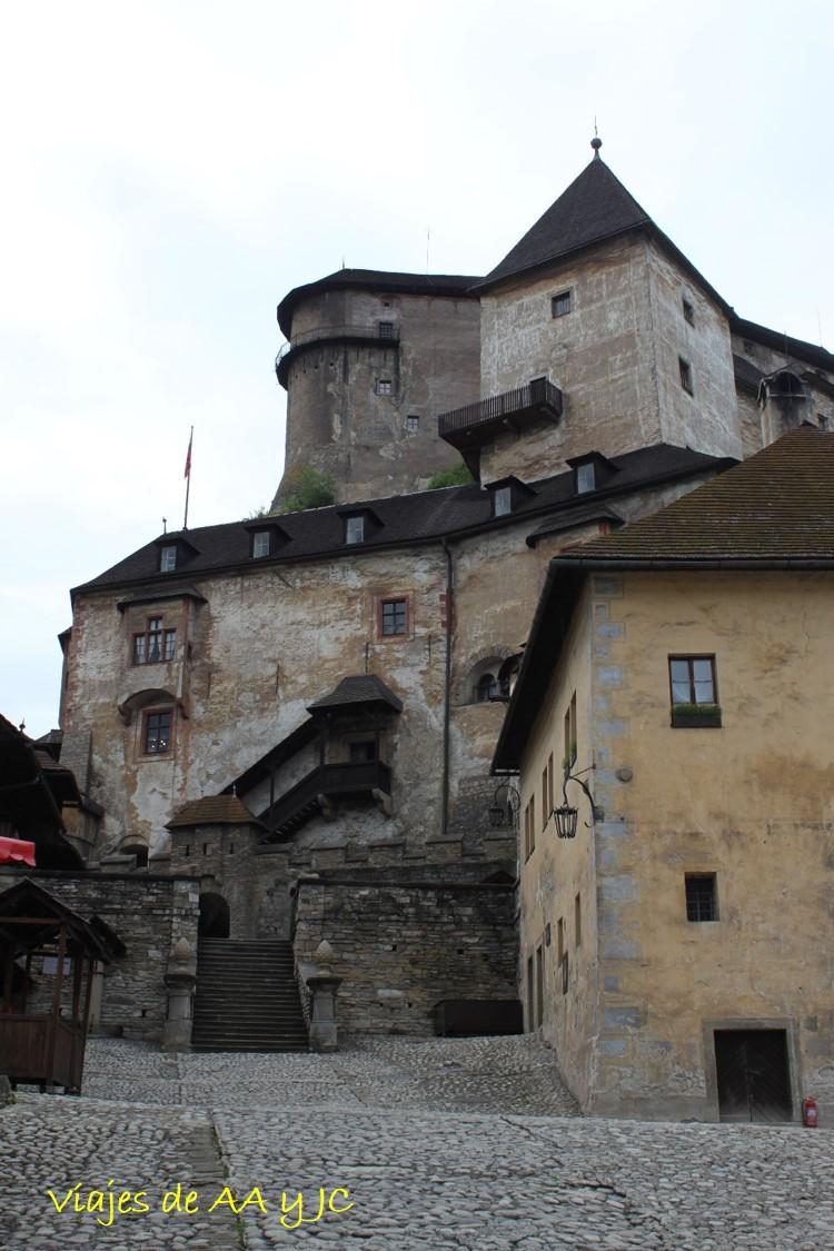 esl7-castillo-orava